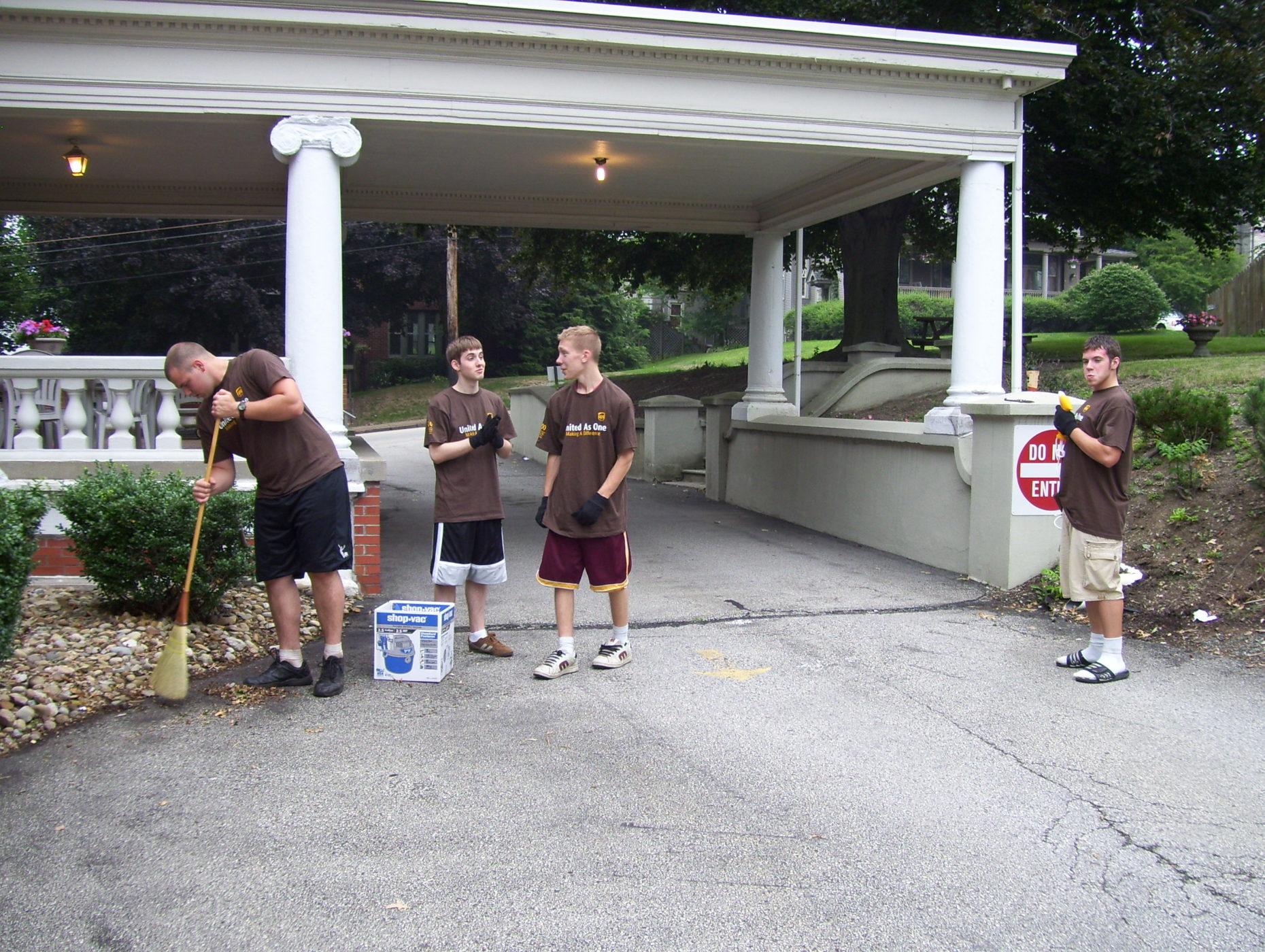 maintenance volunteers